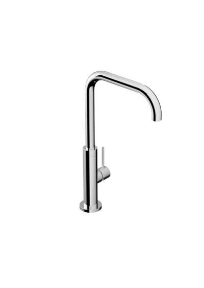 Die formschlichte Küchenarmatur K35.CD/BX ist matt gebürstet. Aus V4A Stahl hält sie jeglichen Umwelteinflüssen stand. Der Einhebel-Mischer sorgt für kaltes und warmes Wasser. Der schwenkbare Arm sorgt für einen gezielten Wasserstrahl. Gartenarmaturen der Firma FONTEALT sind nachhaltig produziert und kommen zu 100% aus Italien. Die Produkte sind Einzelanfertigung und bieten hochwertige Qualität. Der Edelstahl V4A Inox 316 ist von höchster Güte und Festigkeit.